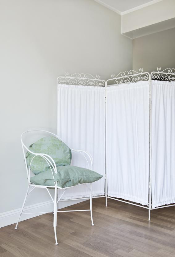 jetzt wird unter den teppich geguckt und zwar gr ndlich. Black Bedroom Furniture Sets. Home Design Ideas