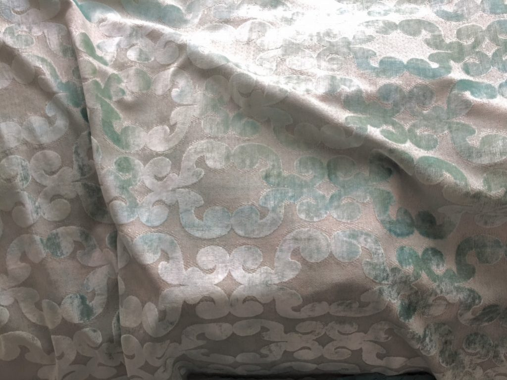 mein bett ist jetzt ein designerst ck martina goernemanns raumseele blog. Black Bedroom Furniture Sets. Home Design Ideas